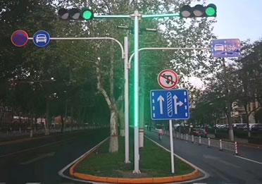 红绿灯立杆