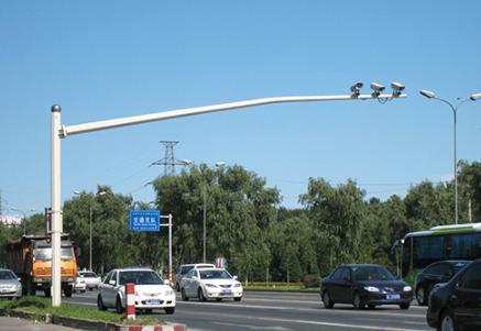 安装道路监控立杆的时候要注意什么呢